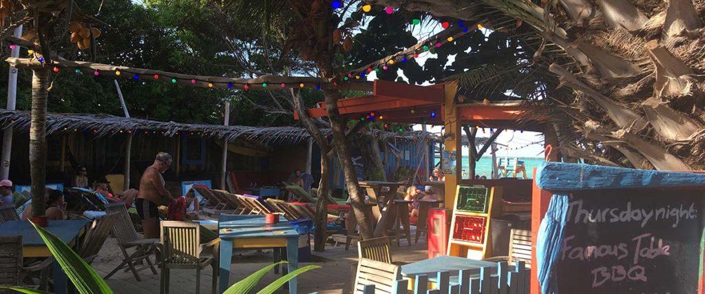 Trouwen op Bonaire kan bij Hang Out Beachbar Jibe City