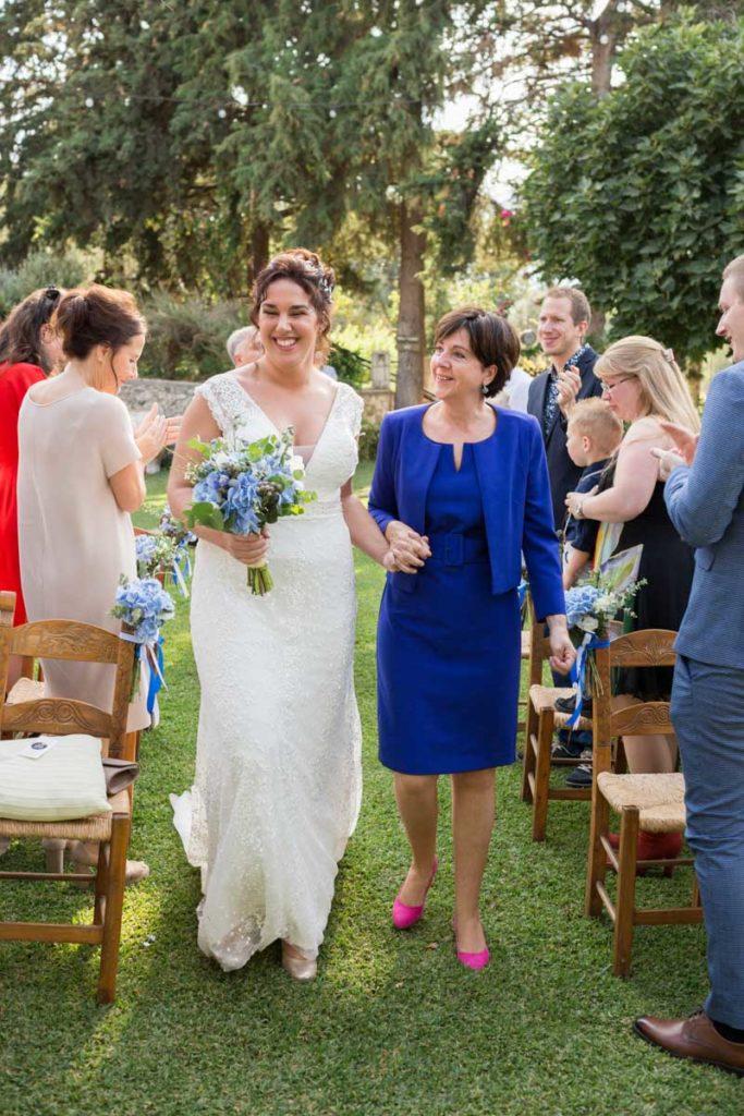 bruiloft griekenland bruid en moeder