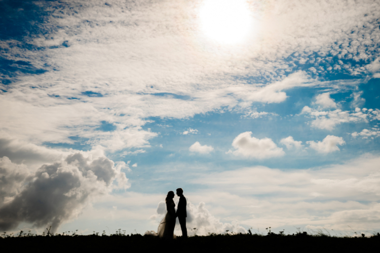 bruidspaar zonsopgang